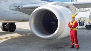 Jet engine mechanic